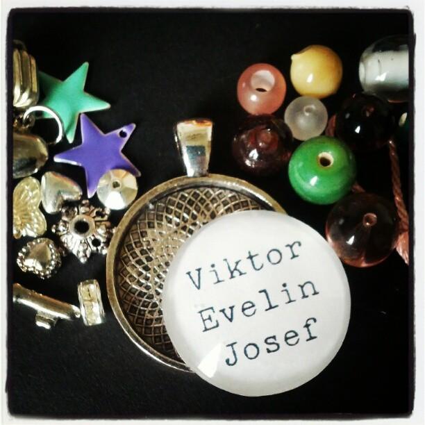 Dags att göra ett eget smycke :)