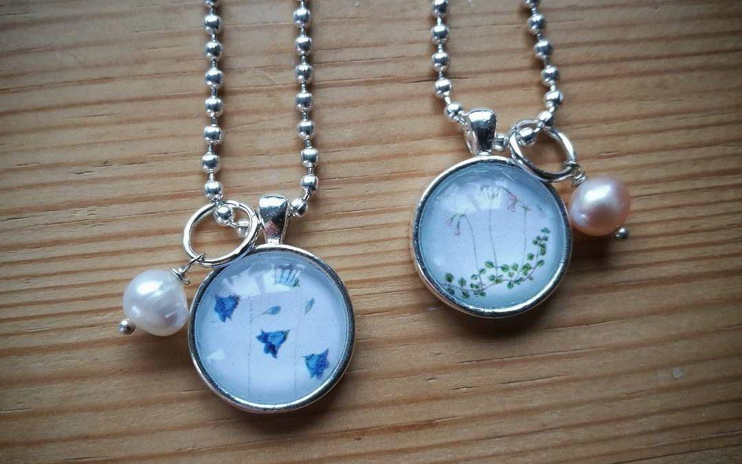 Linneor och blåklockor